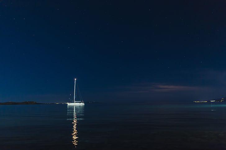 夜の海デートは要注意
