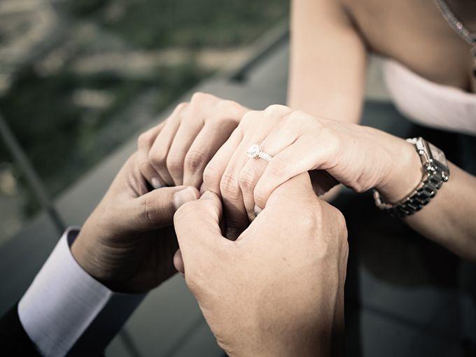 日本での婚約指輪のありかた