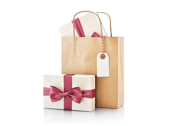 欲しいプレゼントを買った後に本命をプレゼント