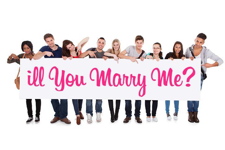 「ill you marry me?」の横断幕
